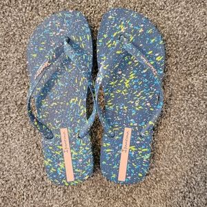 Ipanema splatter flip flops size 6